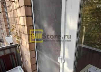 Белая москитная сетка на пластиковую дверь
